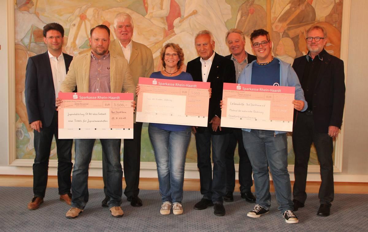 Kiwanis-Club Weinstraße übergibt Spende an Lebenshilfe Bad Dürkheim