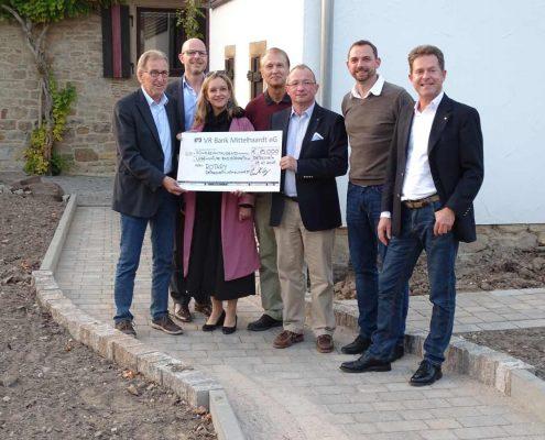 Spendenübergabe Rotary Club Deidesheim-Mittelhaardt barrierefreie Wege